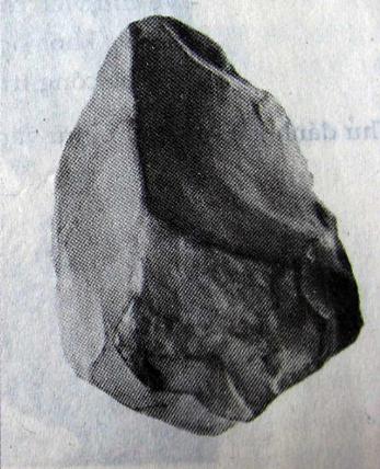 Rìu đá núi Đọ (Thanh Hóa)