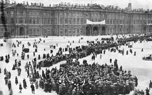 Hồng quân tiến chiếm Cung điện Mùa Đông
