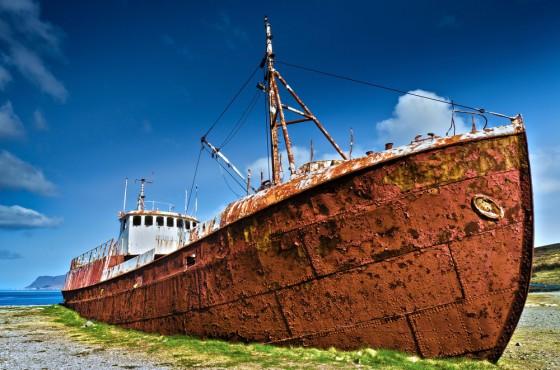 Tàu thuyền bị gỉ sắt