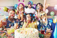 Unit 3 Tiếng Anh lớp 11: A party - Một buổi tiệc